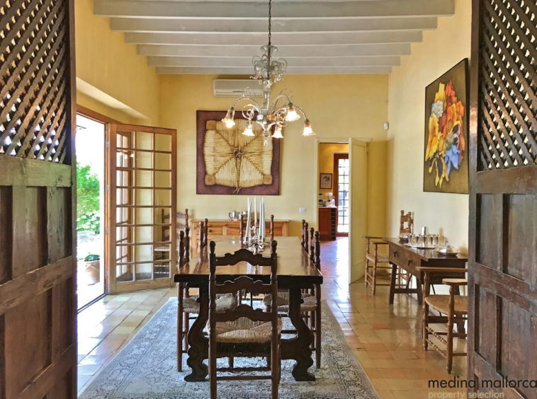 Preciosa Villa con amplio jardin Establiments medina mallorca 10