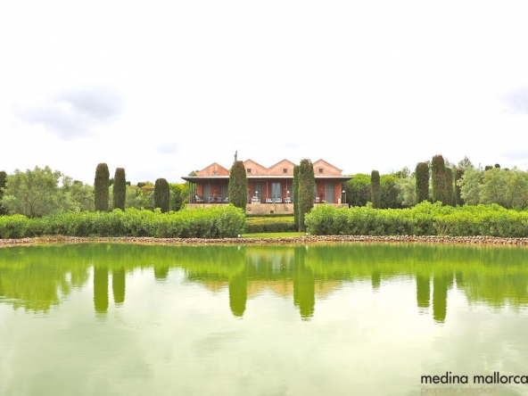 magnifica finca rodeada de jardines llubi medina mallorca 1