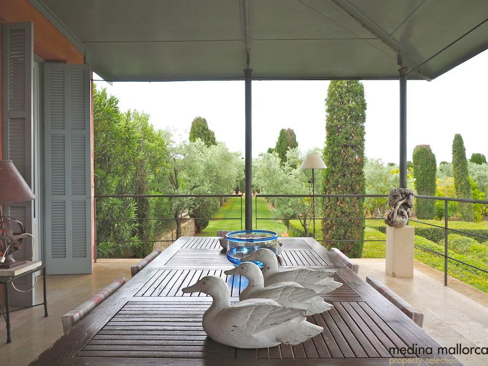 magnifica finca rodeada de jardines llubi medina mallorca 4